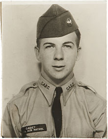 lho_lee_harvey_oswald_as_Marine