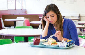young-woman-lunch-cafeteria_1244328_inl